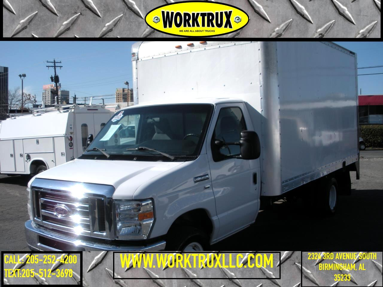 "Ford Econoline Commercial Cutaway E-350 Super Duty 138"" DRW 2015"