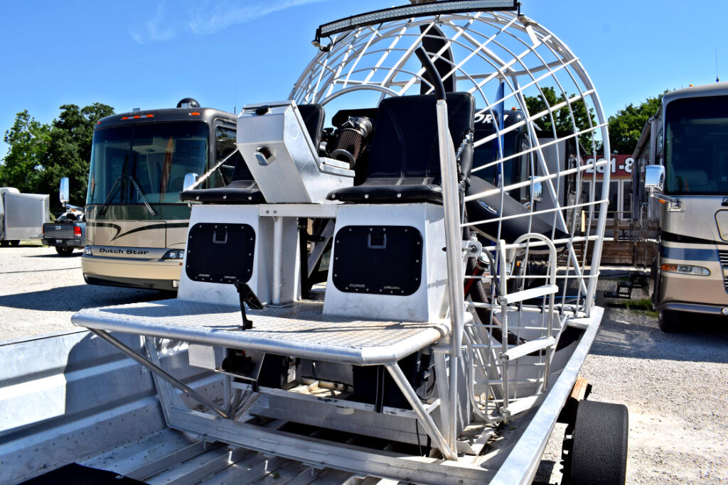 2016 Longhorn Airboat 16