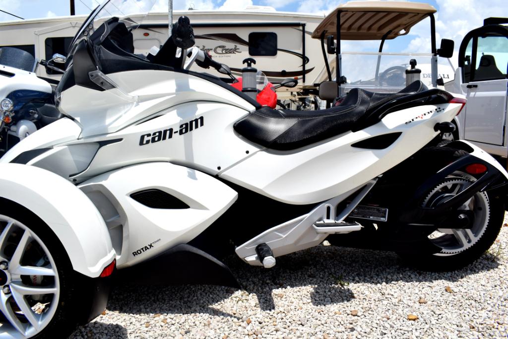 2014 Can-Am Spyder ST