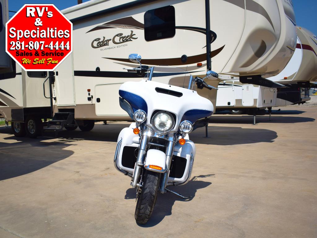 2015 Harley-Davidson FLHTCU Electra Glide Ultra Classic