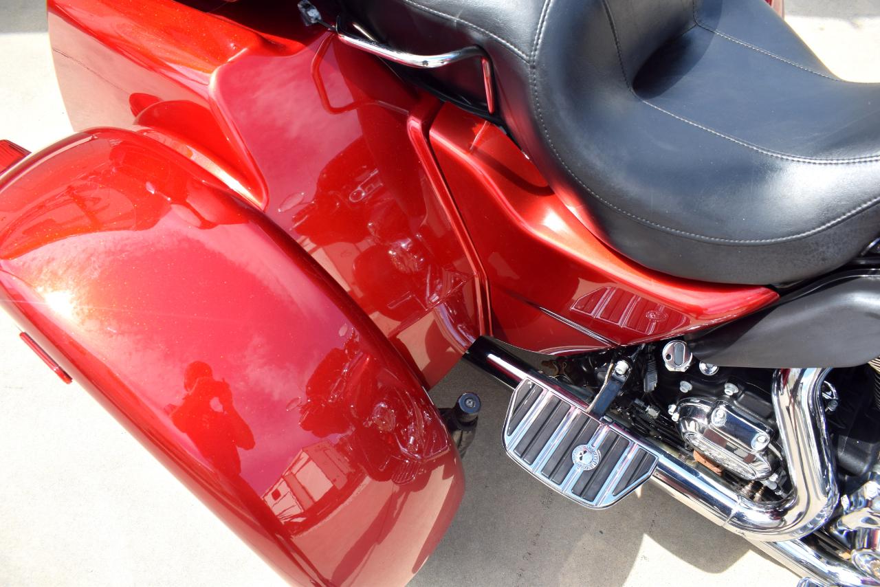 2013 Harley-Davidson Tri Glide Ultra Classic FLHTCUTG