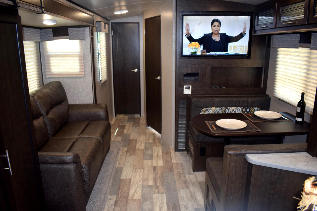 2017 Cruiser RV Fun Finder Extreme Lite 27IK