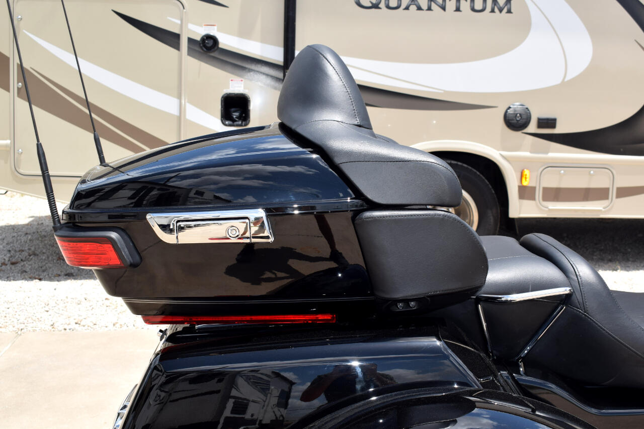 2016 Harley-Davidson Tri Glide Ultra FLHTCUTG