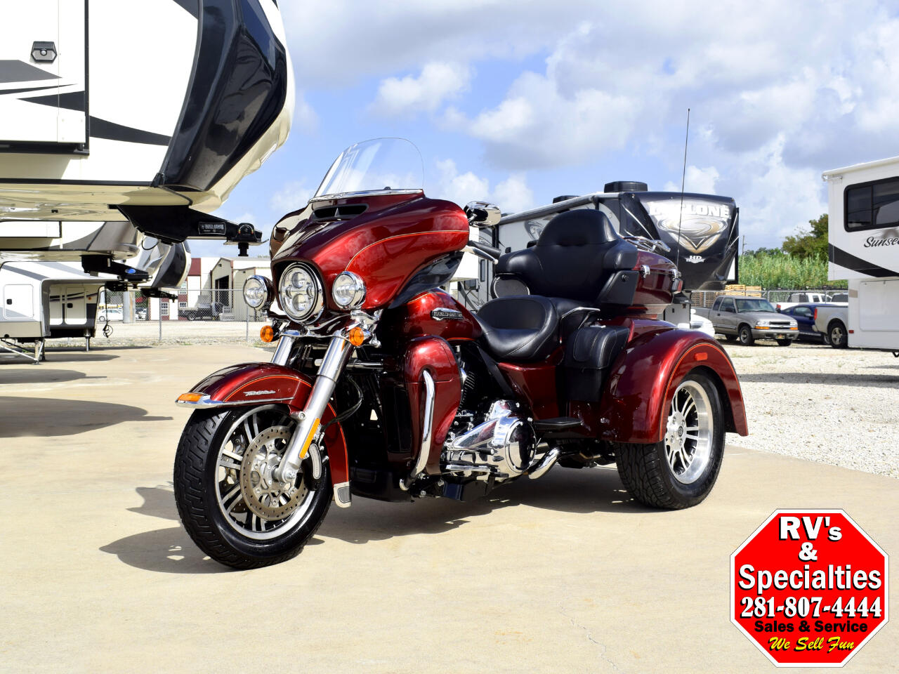 2017 Harley-Davidson Tri Glide Ultra FLHTCUTG