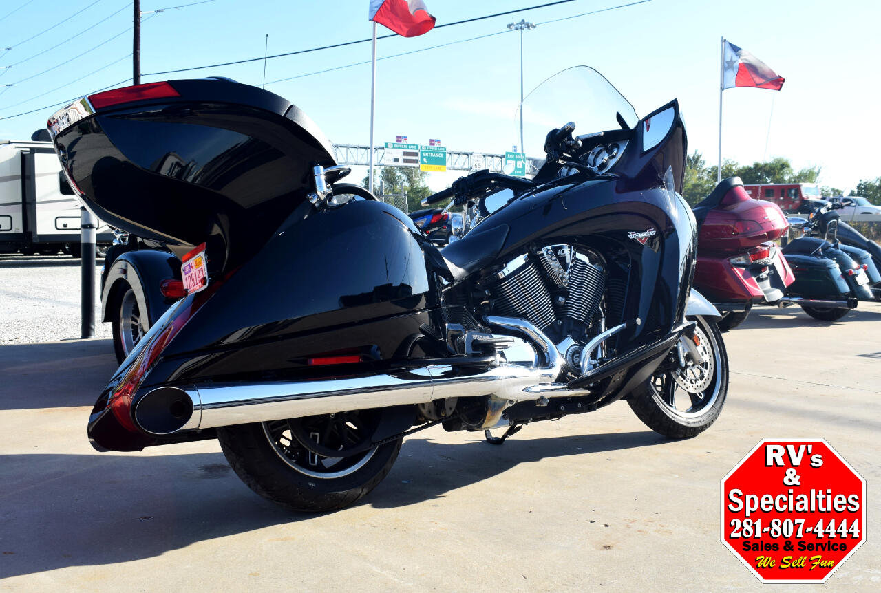 2014 Victory Vision Touring