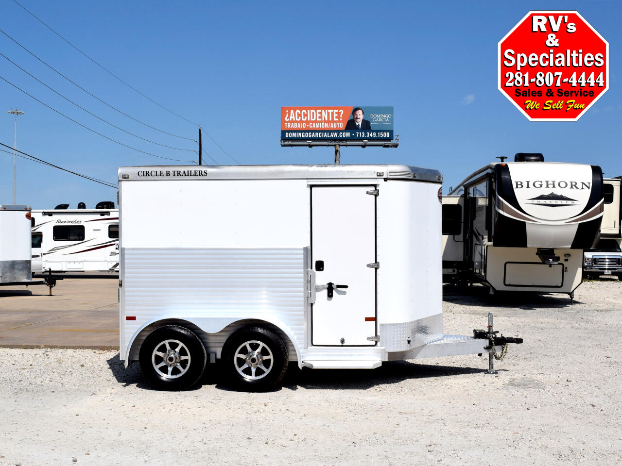 Sundowner Motorcycle Transport Trailer   2015