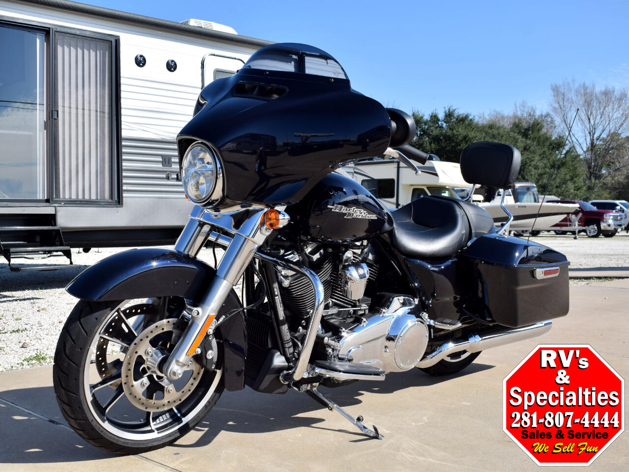 Harley-Davidson FLHX  2020