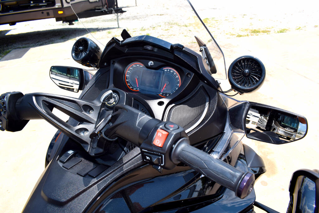 2014 Can-Am Spyder STS-SE5