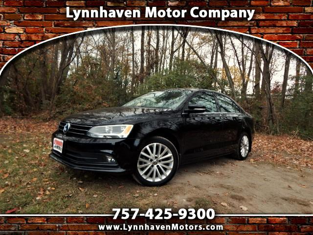 2015 Volkswagen Jetta SE w/ Navigation, Leather, Sunroof, Camera, 19k Mi