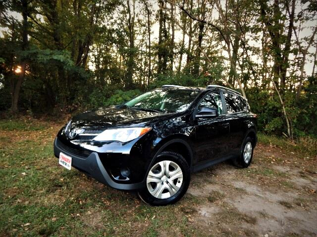 2015 Toyota RAV4 LE AWD Rear Camera, One Owner, 28k Miles!