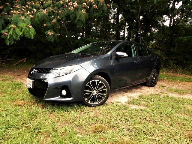 2016 Toyota Corolla Rear Camera, Leather Trim, Bluetooth, One Owner!
