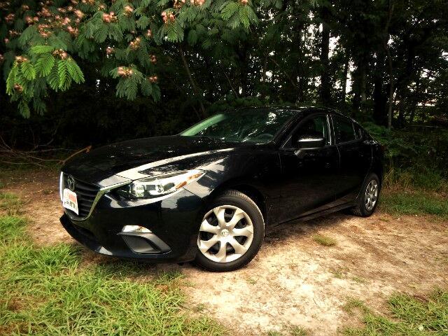 2015 Mazda MAZDA3 iSport, One Owner, 16k MIles, Bluetooth, Mint!