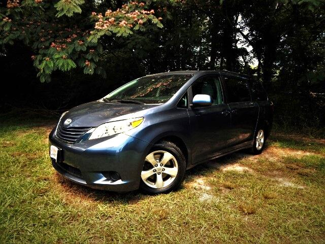 2015 Toyota Sienna 8 Passenger, Rear Camera, One Owner, 26k Miles!