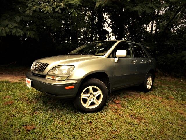 2000 Lexus RX 300 AWD, Like New Condition Inside & Out !