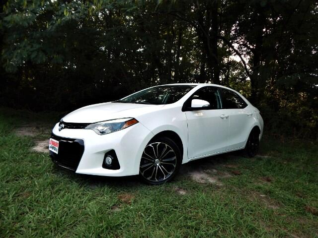 2015 Toyota Corolla Navigation, Sunroof, Leather Trim, Rear Camera!