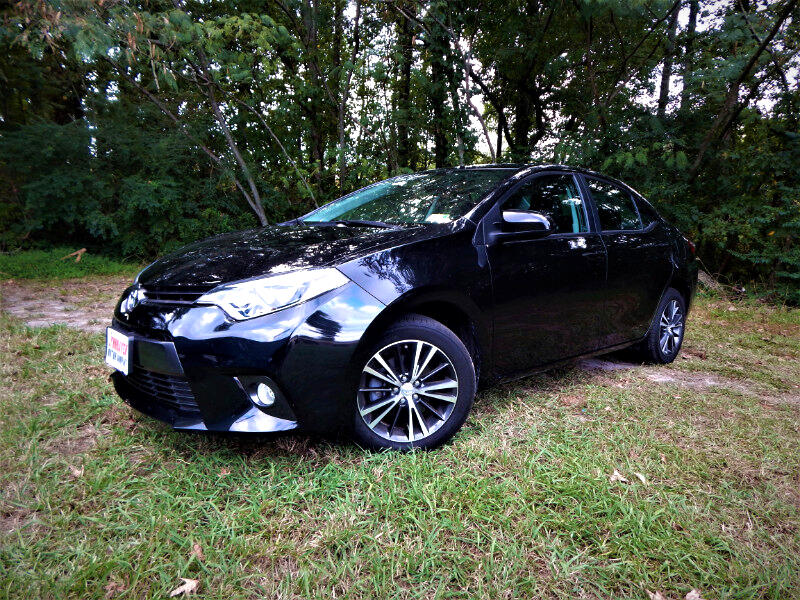 2016 Toyota Corolla LE Premium w/ Leather Int.,Sunroof, Navigation
