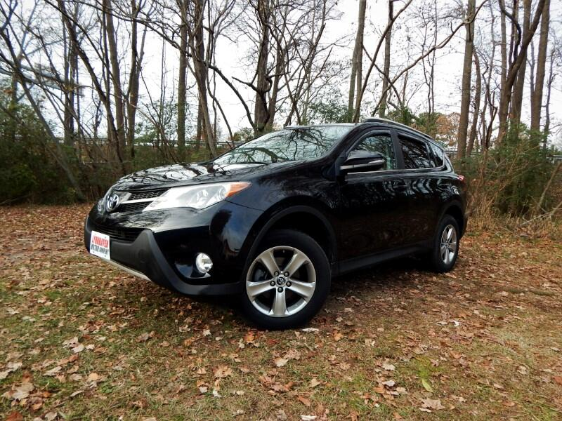 2015 Toyota RAV4 XLE AWD, Sunroof, Rear Camera, 27k Miles!