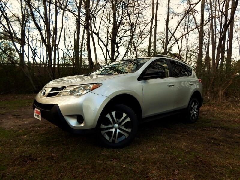 2015 Toyota RAV4 LE AWD Rear Camera, One Owner, Only 16k Miles!