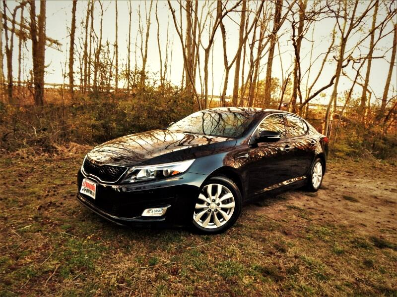 2015 Kia Optima EX w/ Panorama Roof, Leather Int.,Rear Camera!