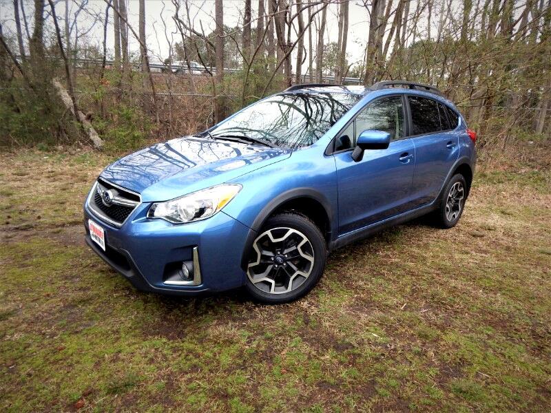 2017 Subaru Crosstrek 2.0i Premium,Sunroof,Rear Camera,Heated Seats!