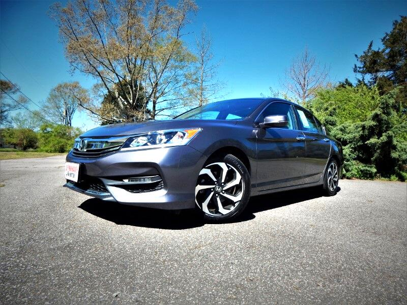 2016 Honda Accord EXL w/ Leather Int.,Sunroof,Rear & Side Cameras!