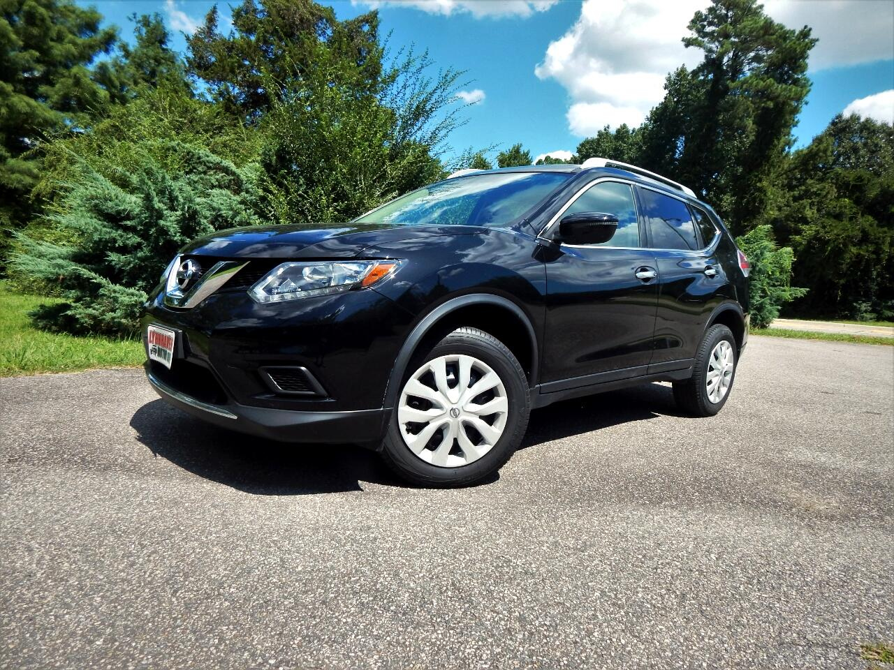 2016 Nissan Rogue S Awd w/ Rear Camera,Bluetooth,1 Owner,19k Mis!
