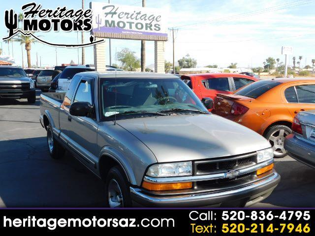 """Chevrolet S-10 Ext Cab 123"""" WB LS 2001"""