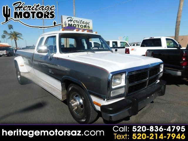Dodge D350 Club Cab 8-ft. Bed 2WD 1993