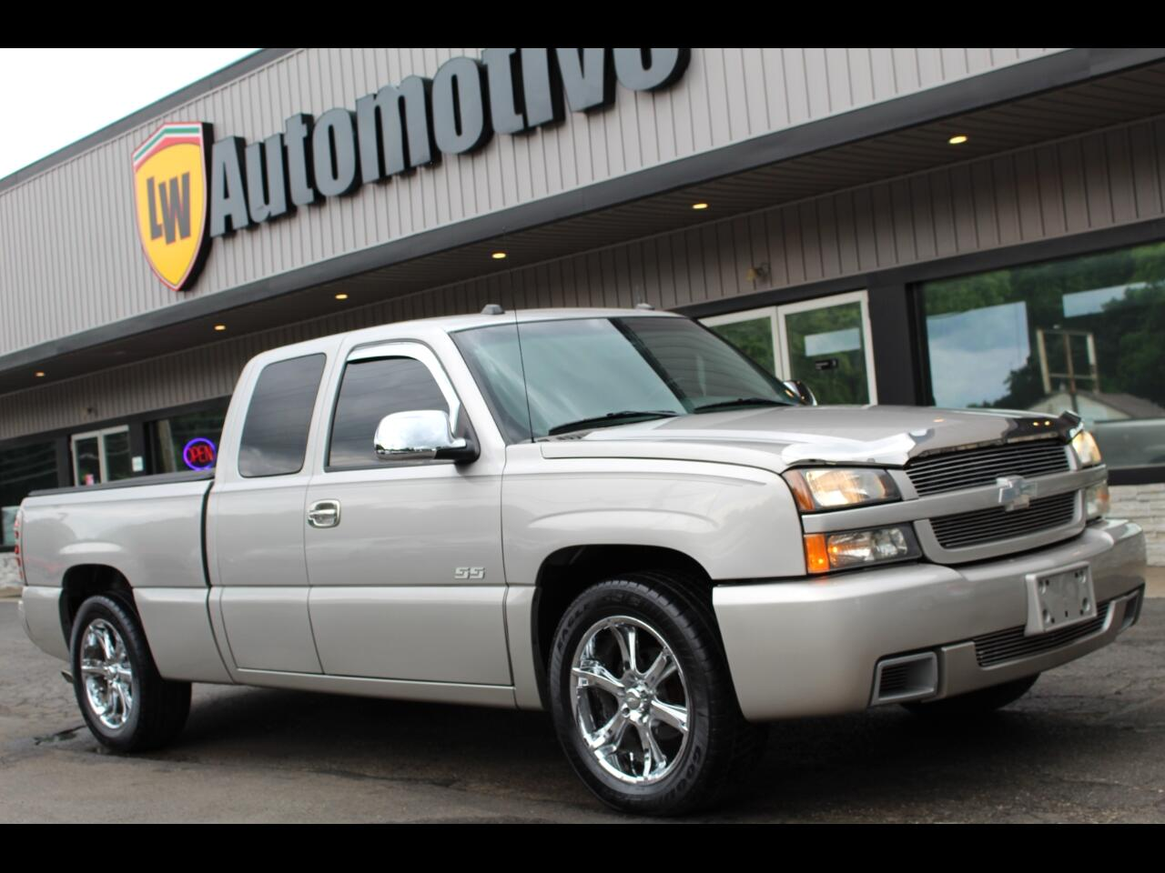 2005 Chevrolet Silverado 1500 SS Ext. Cab Short Bed AWD
