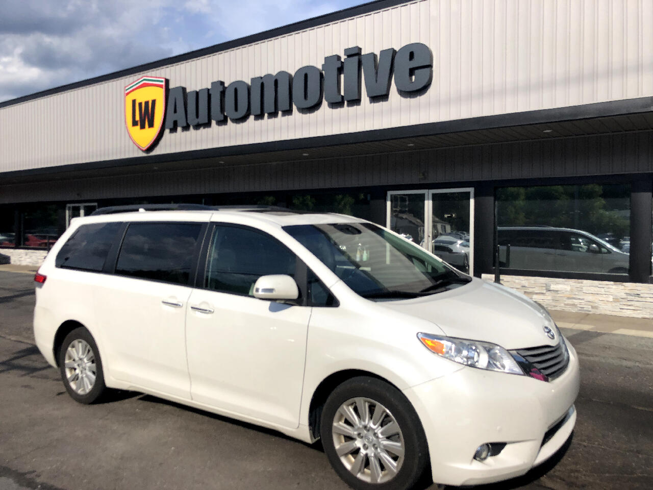 2014 Toyota Sienna 5dr 7-Pass Van V6 Ltd AWD (Natl)
