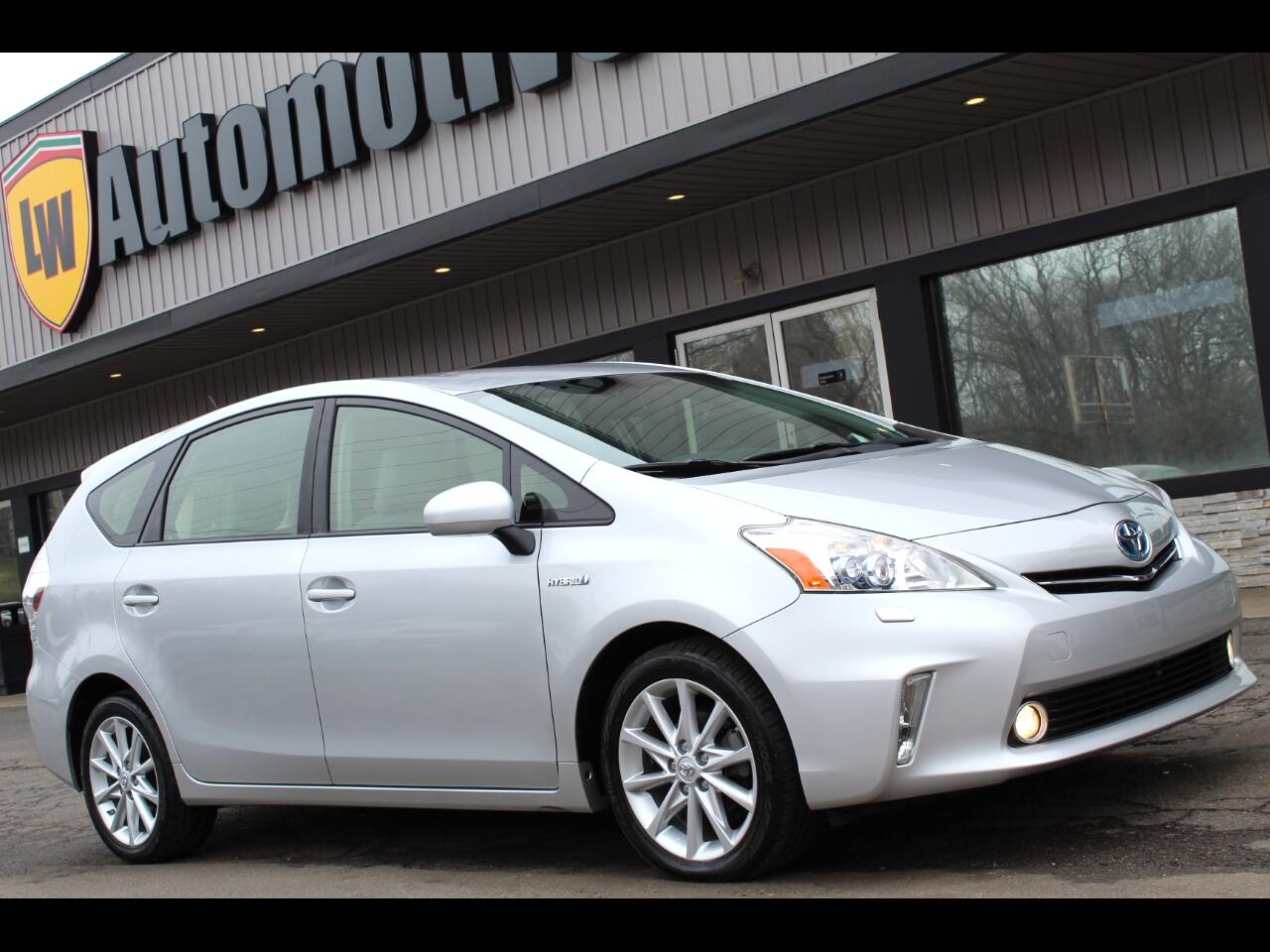 Toyota Prius V 5dr Wgn Five (Natl) 2013
