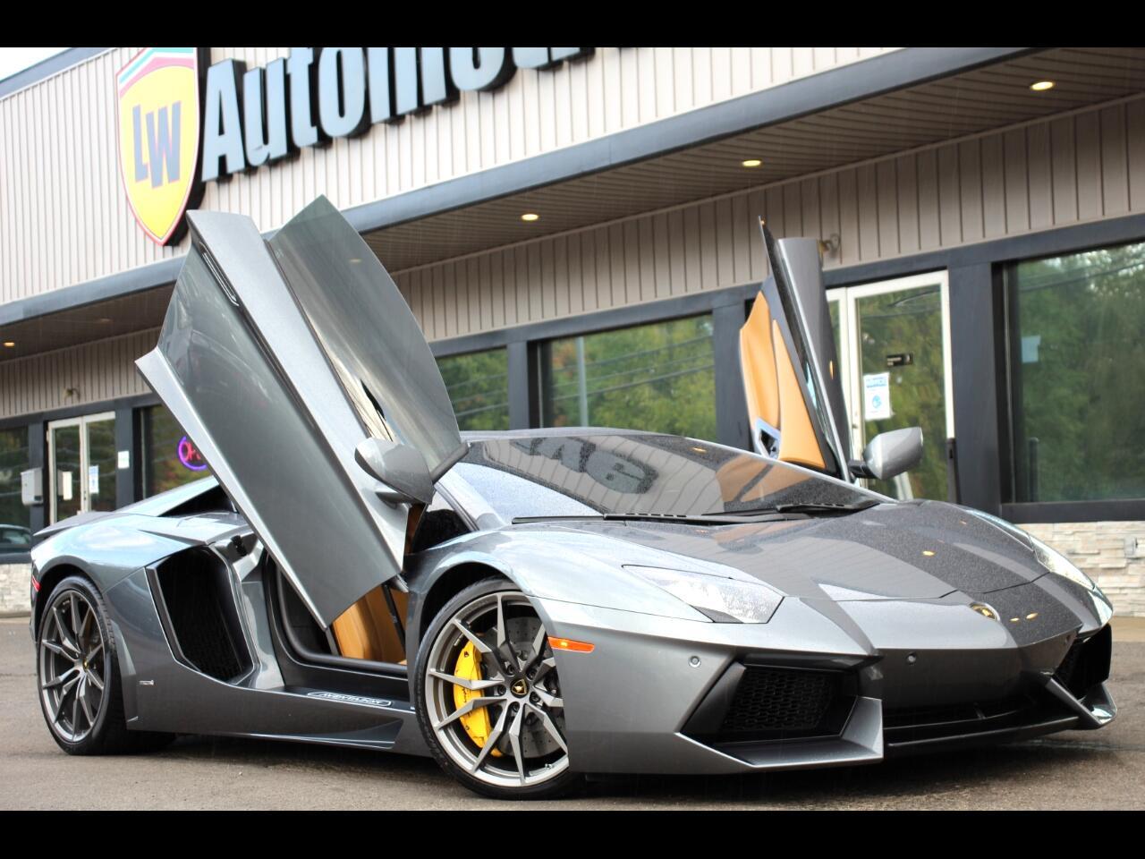 Lamborghini Aventador 2dr Cpe 2015