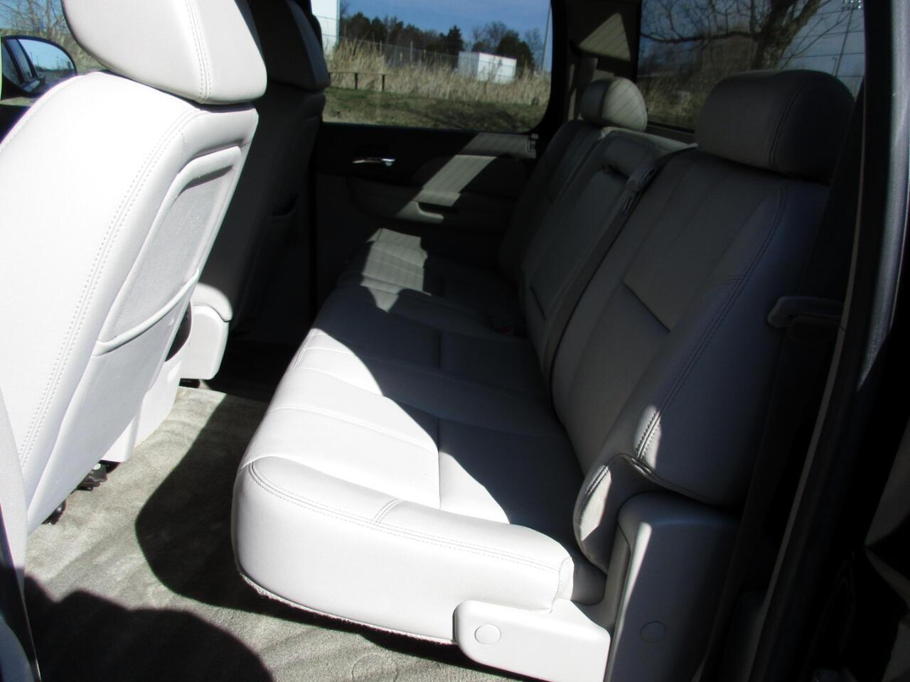 2008 GMC Sierra 1500 4WD Crew Cab 143.5