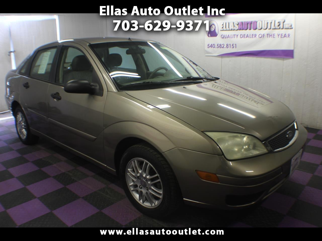 2005 Ford Focus 4dr Sdn ZX4 SES