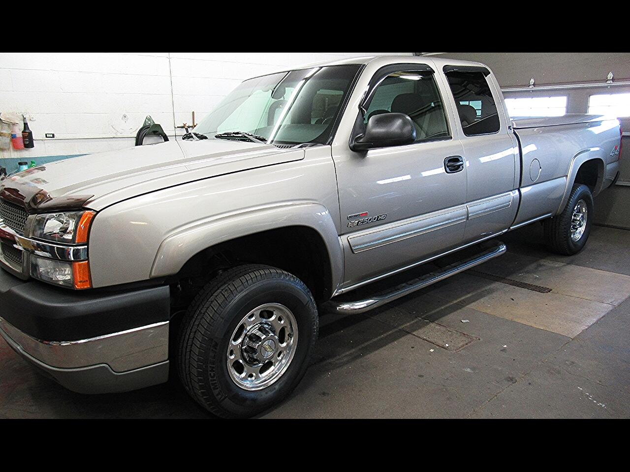 2003 Chevrolet Silverado 2500HD Ext. Cab Long Bed 4WD
