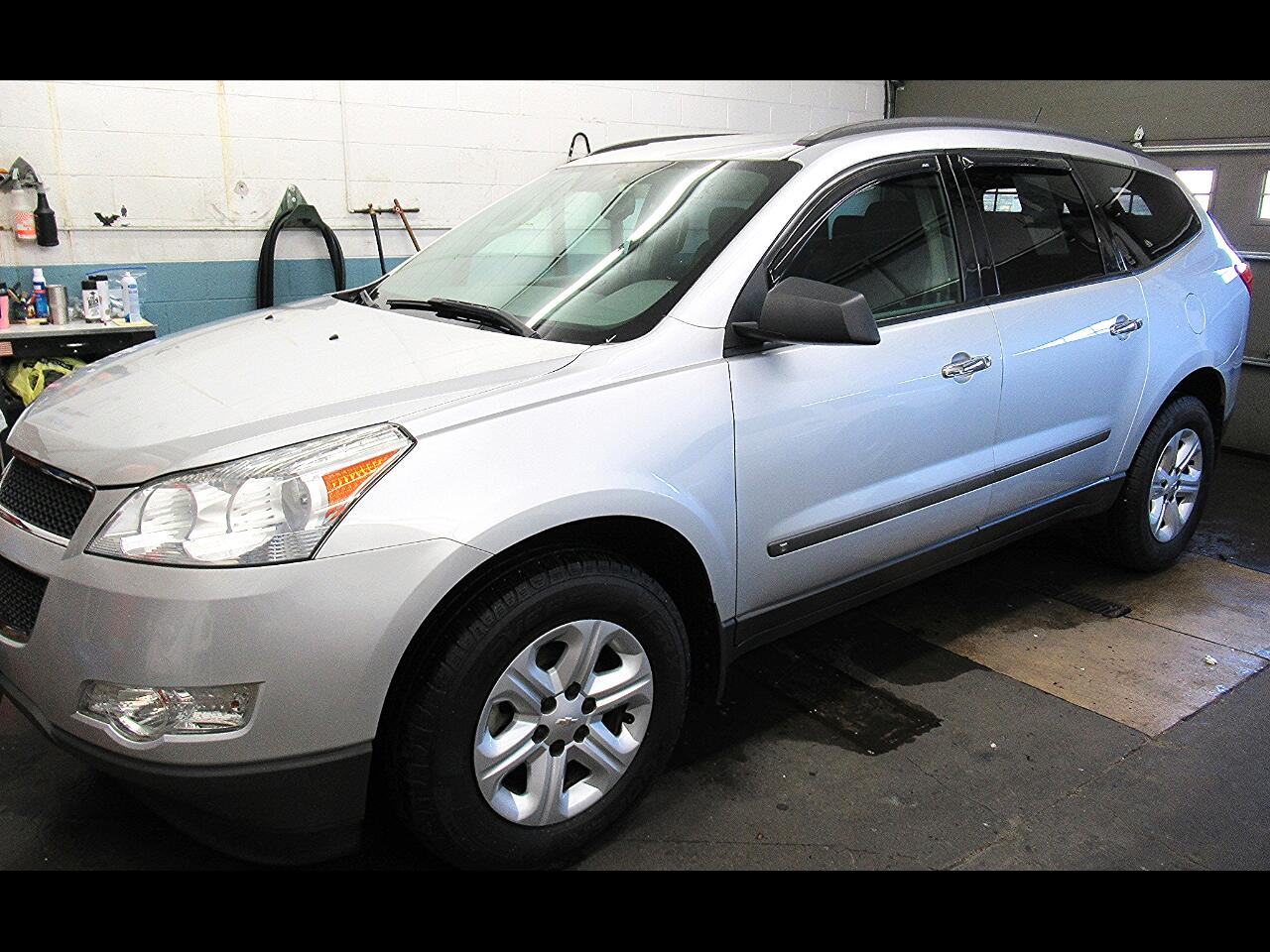 Chevrolet Traverse LS FWD 2009