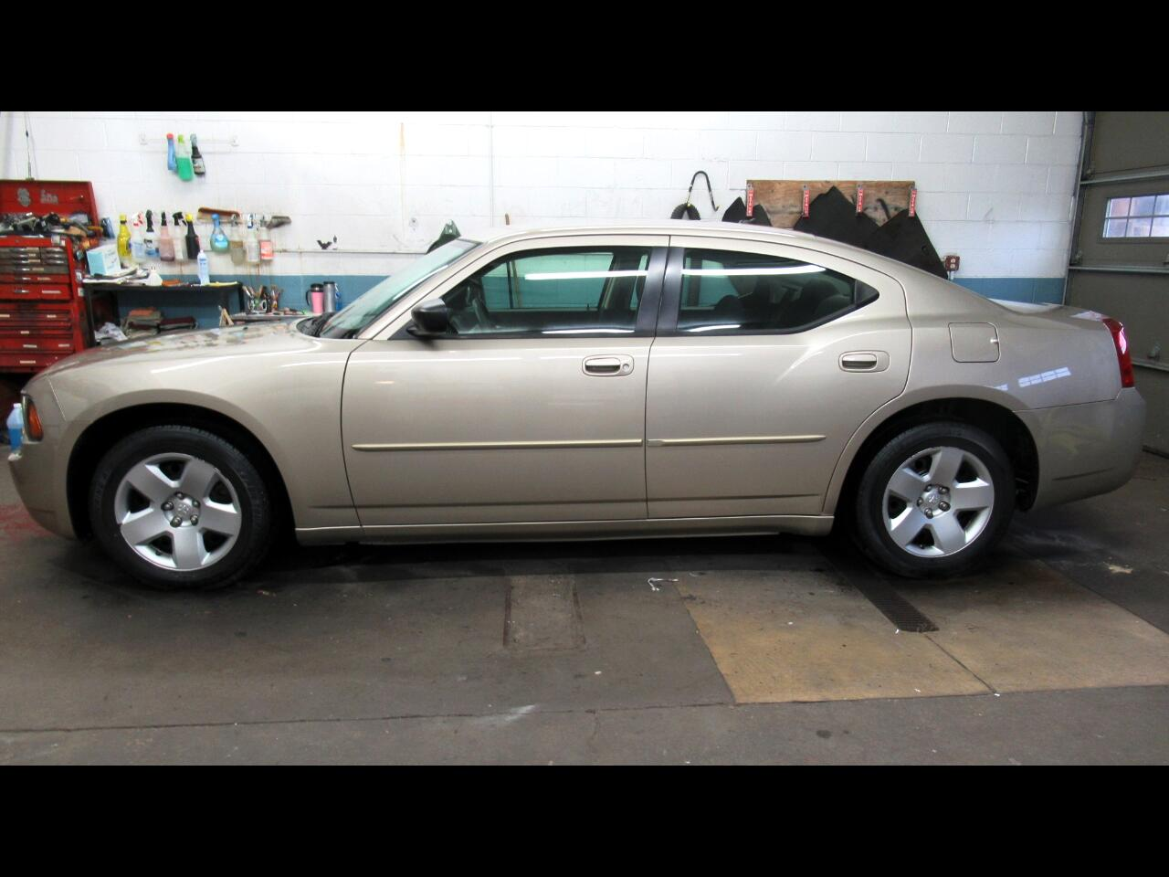 Dodge Charger 4dr Sdn SE RWD 2008