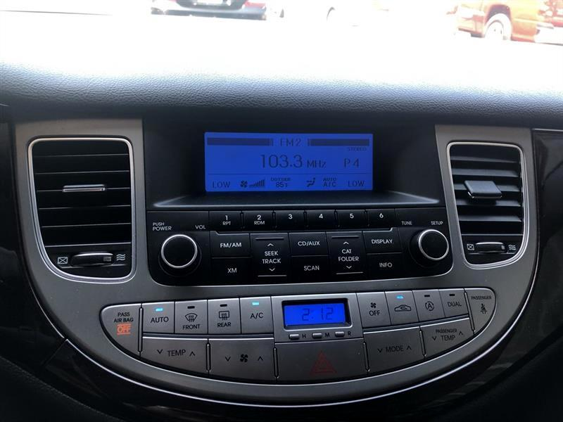 2012 Hyundai Genesis 4dr Sdn V6 3.8L