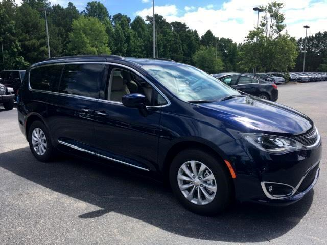Chrysler Pacifica Touring-L 2021