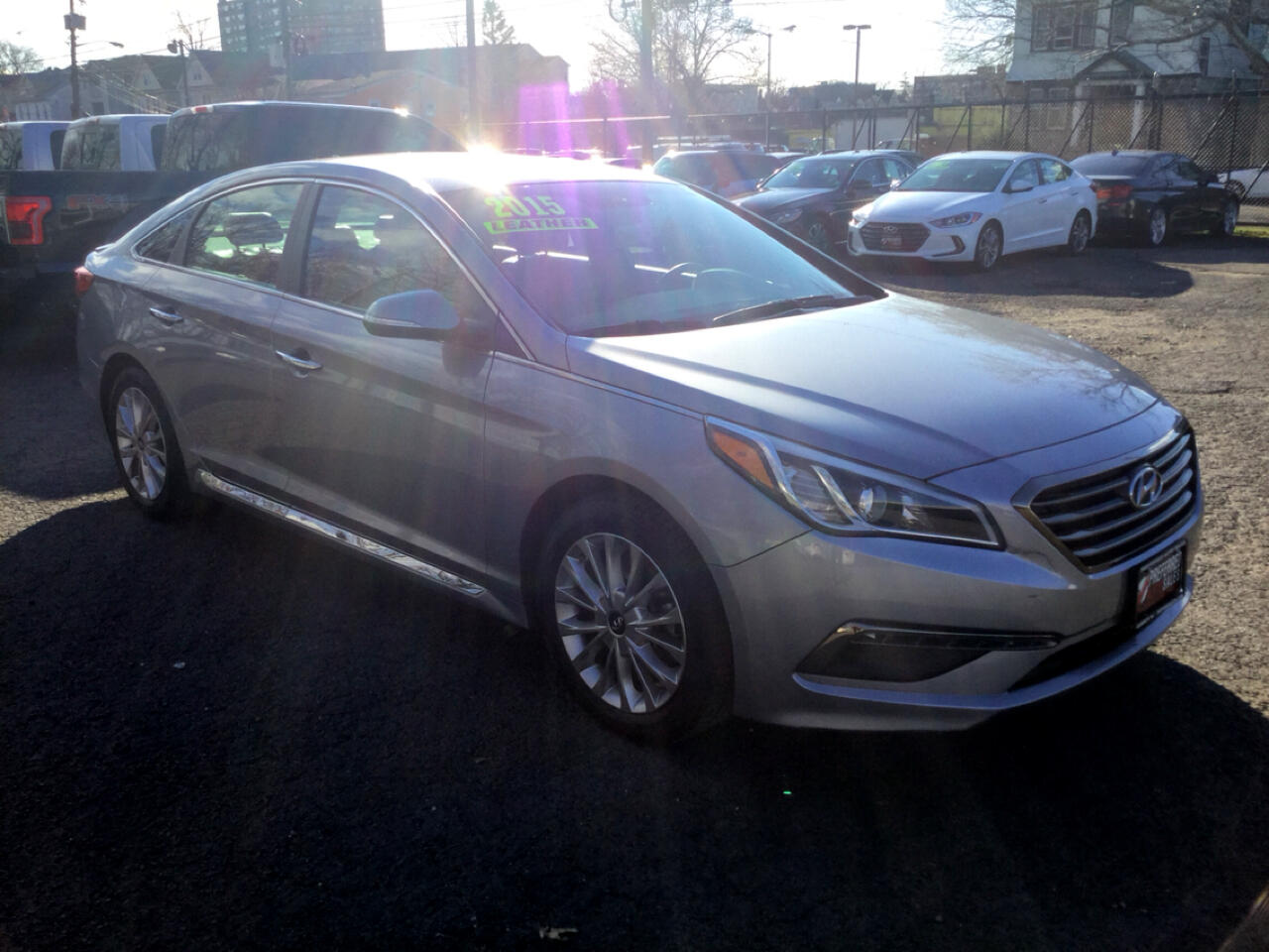 Hyundai Sonata 4dr Sdn 2.4L Limited w/Brown Seats 2015