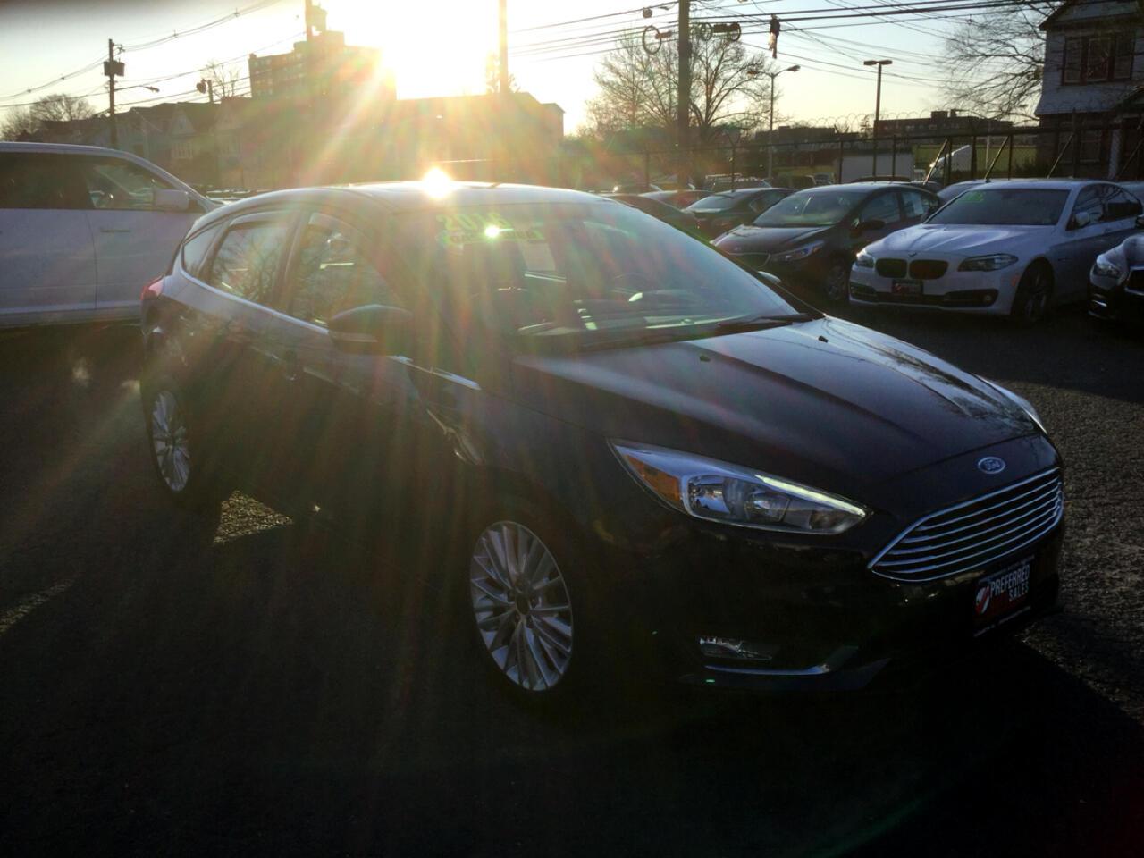 Ford Focus Titanium Hatch 2016