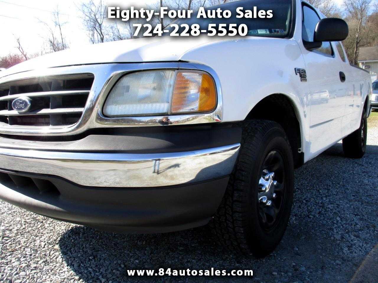 "Ford F-150 Supercab 139"" Lariat 2002"