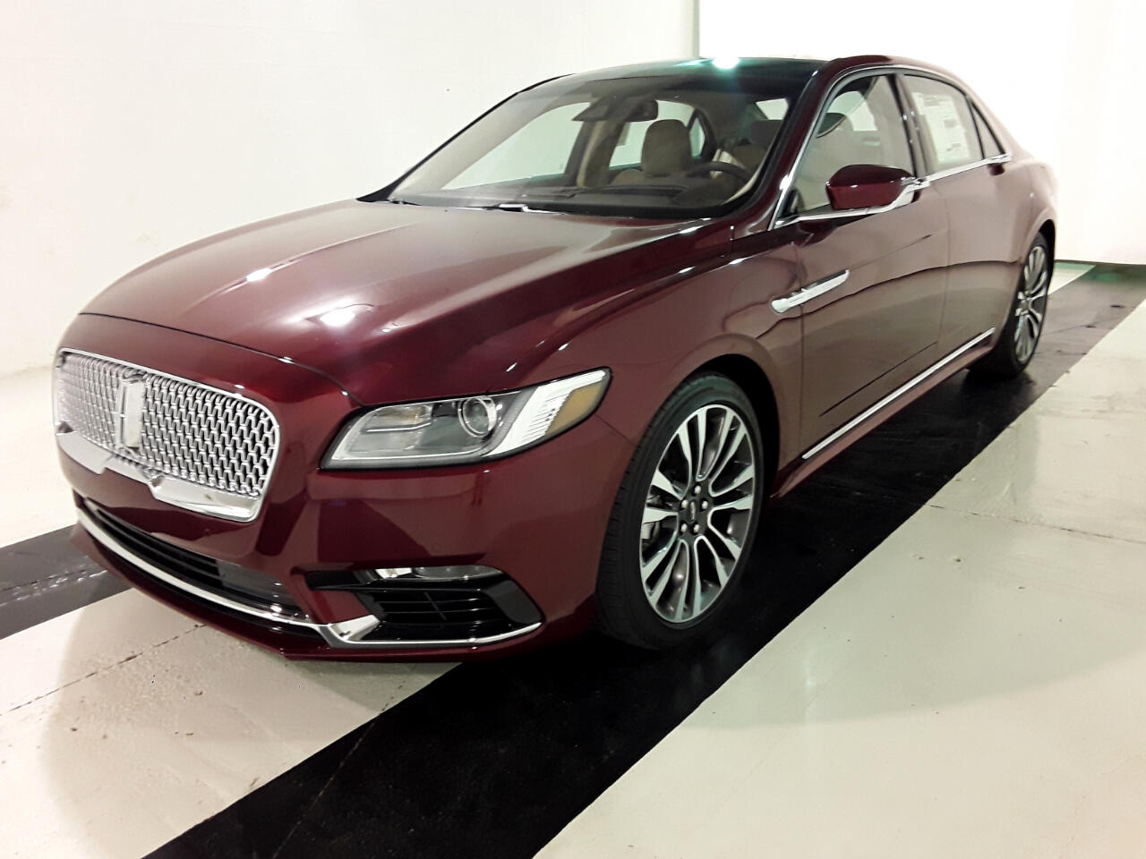 Lincoln Continental Reserve AWD 2019
