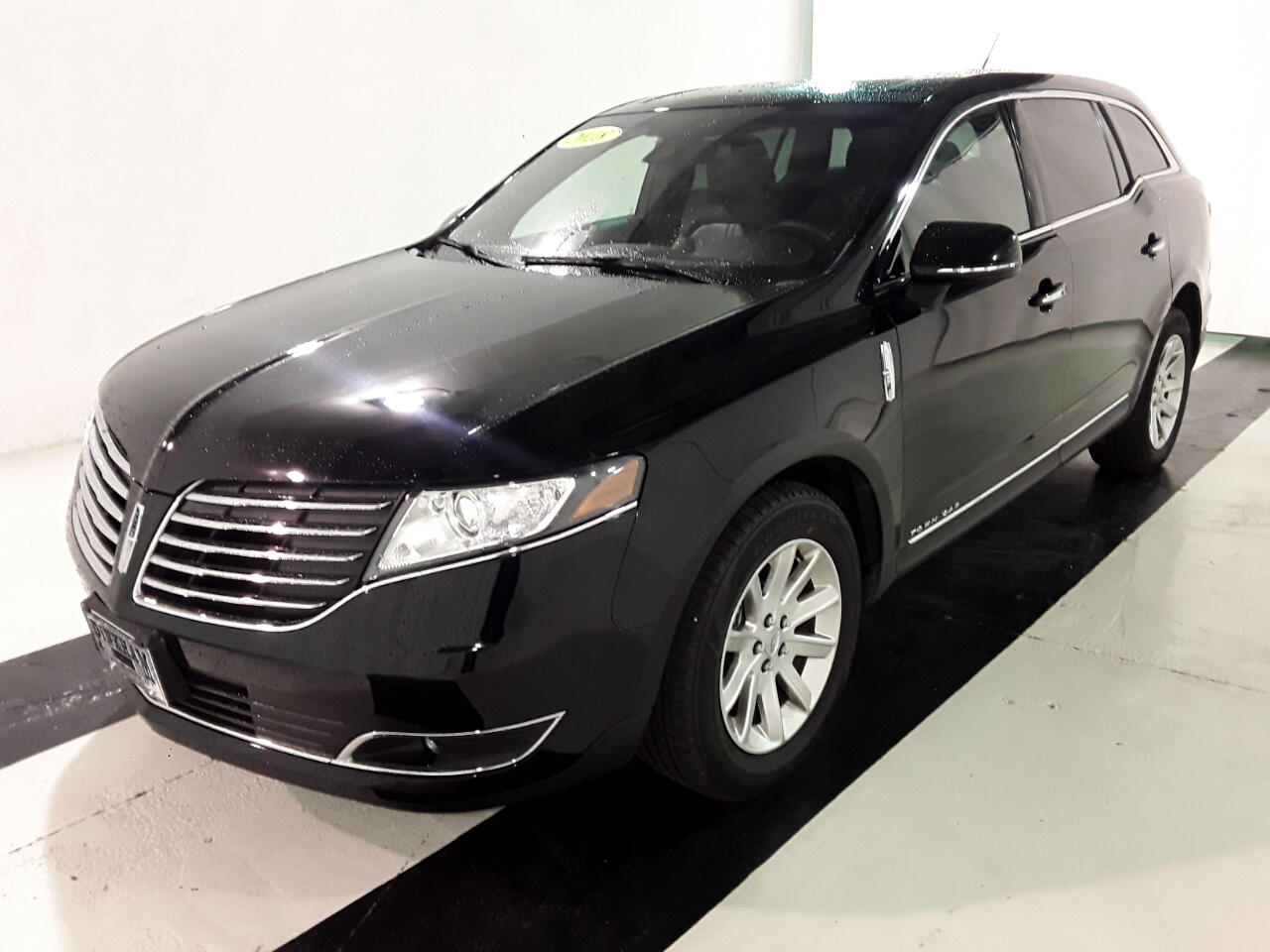 2018 Lincoln MKT 3.7L AWD w/Livery Pkg