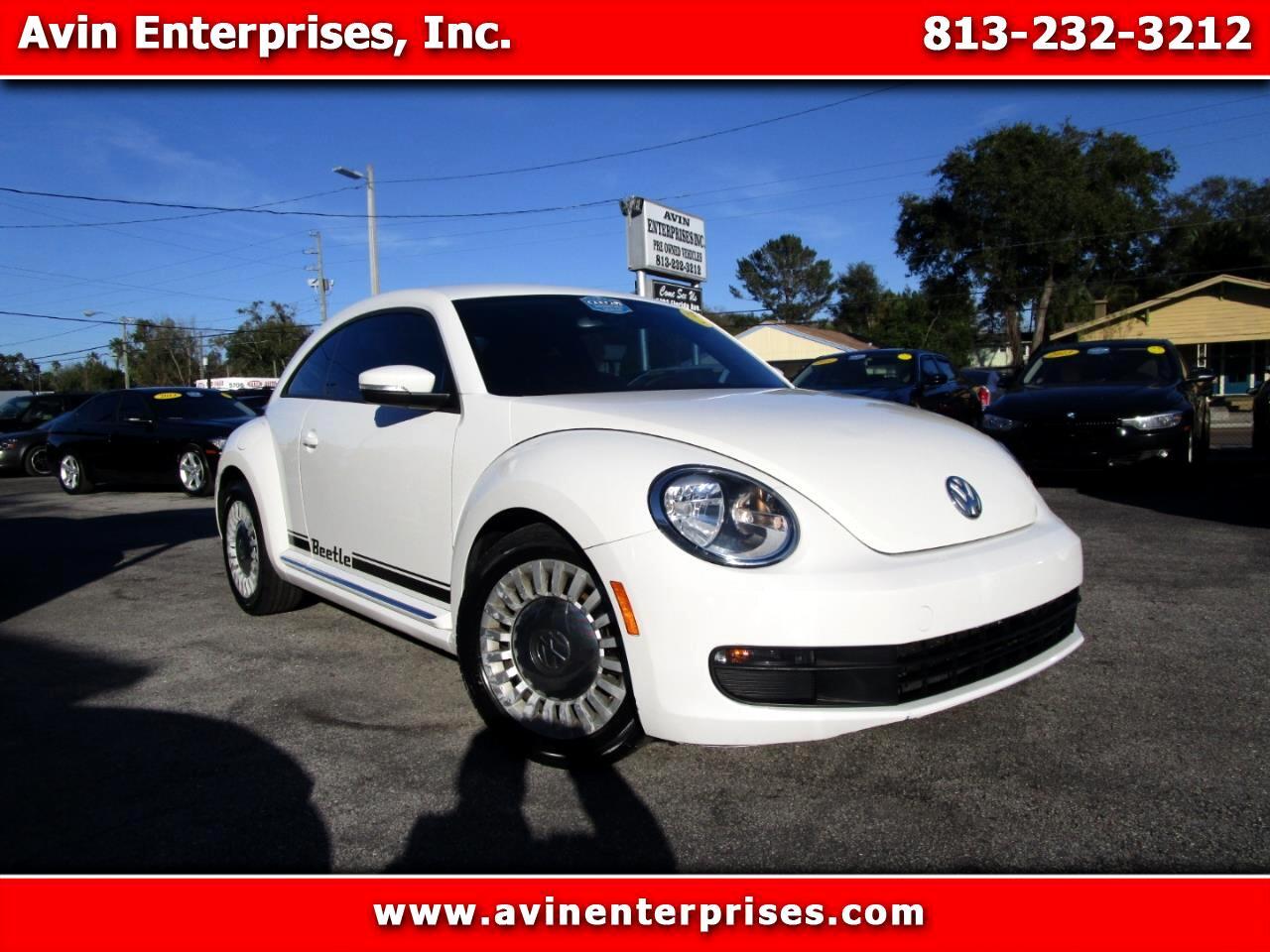2013 Volkswagen Beetle 2.5L w/Sunroof Sound & Nav