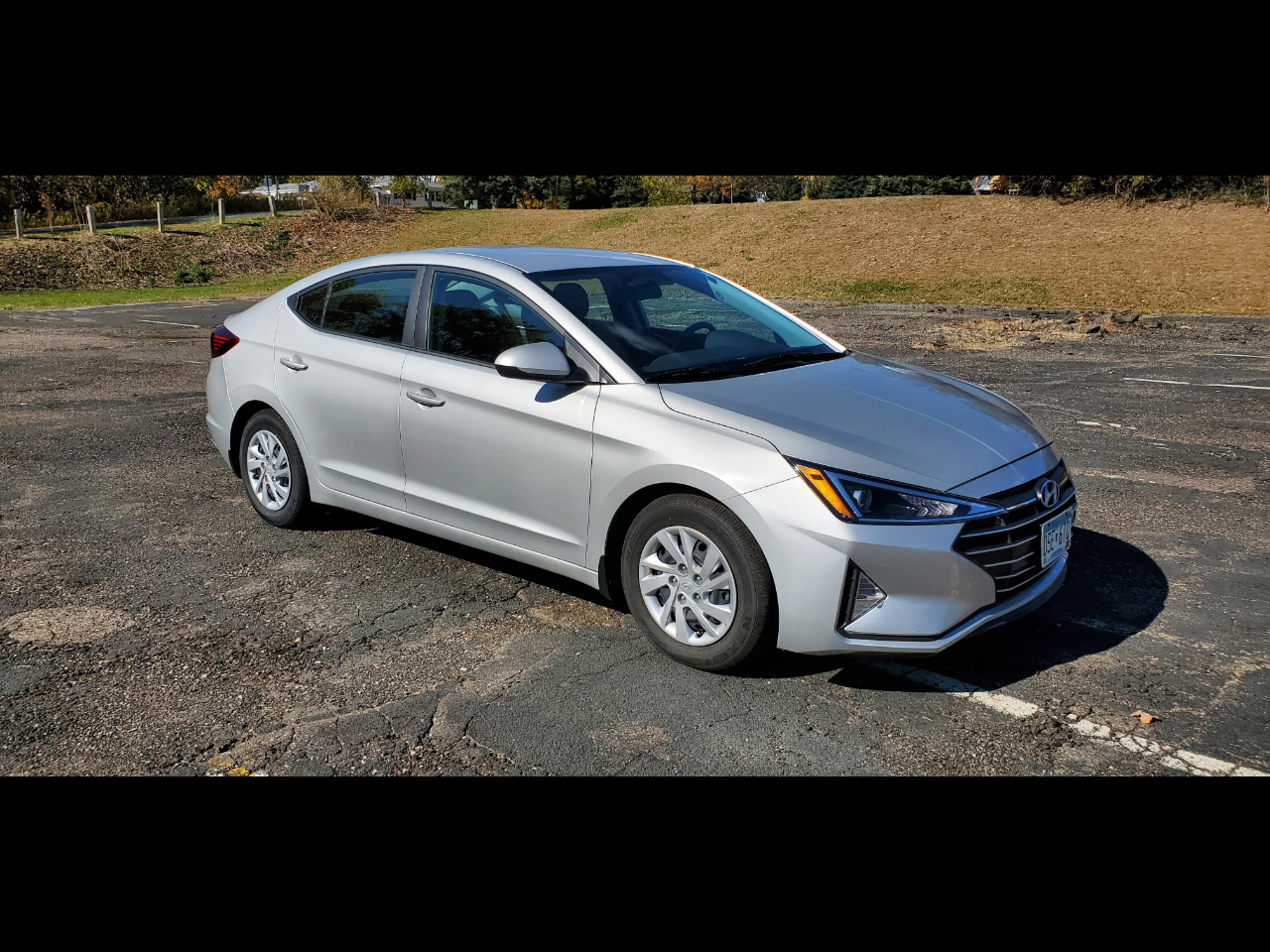 Hyundai Elantra SE 6AT 2019