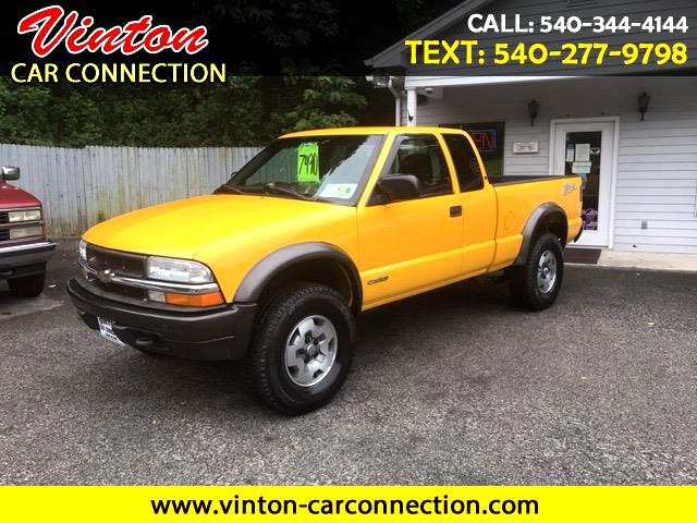 2003 Chevrolet S10 Pickup Ext. Cab Short Bed 4WD