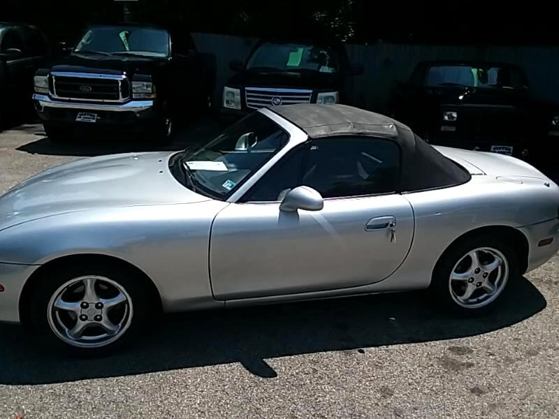 Mazda MX-5 Miata Base 2002
