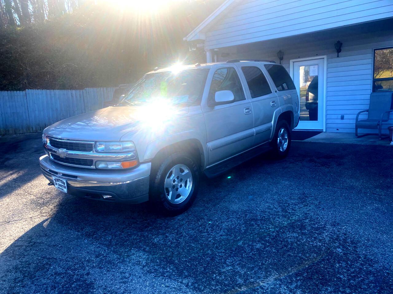 Chevrolet Tahoe 4dr 1500 4WD LT 2004