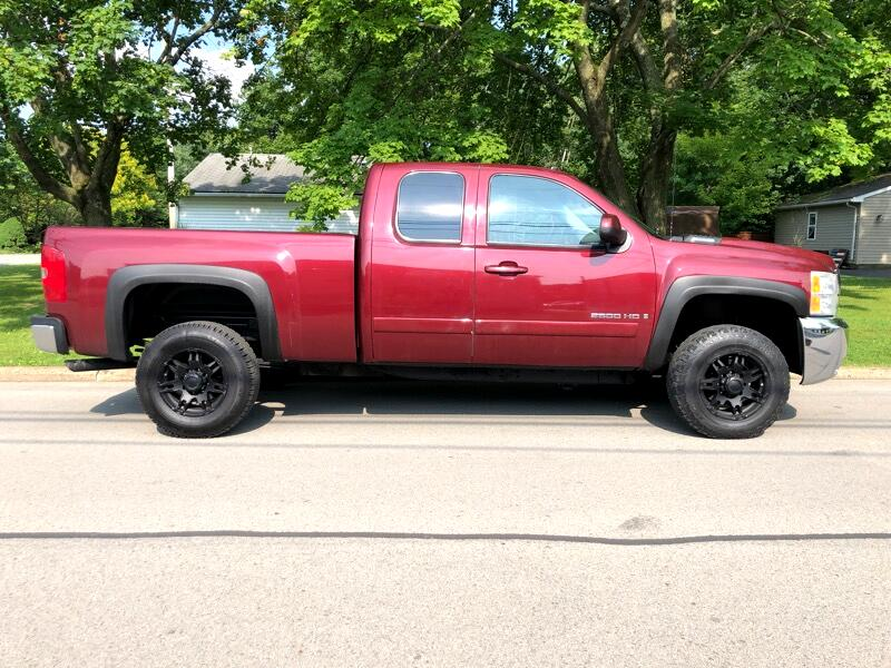 Chevrolet Silverado 2500 LT Ext. Cab 4-Door Short Bed 4WD 2008